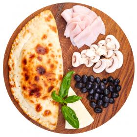 """Пицца """"Кальцоне с ветчиной и грибами"""""""